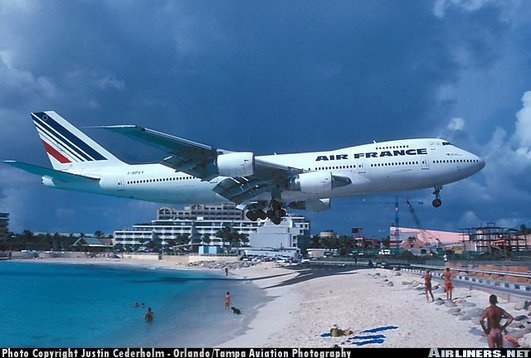 for a landing at Philipsburg/St. Maarten–Princess Juliana Airport in the