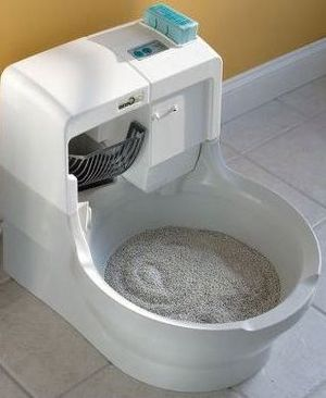 World's first self-cleaning cat litter box