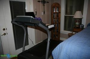 Geardiary_judies__treadmill_desk_01