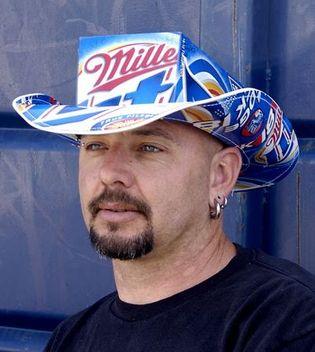 Beer Box Cowboy Hat. 1dhhhtr.