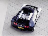 Bugattiveyron05_800